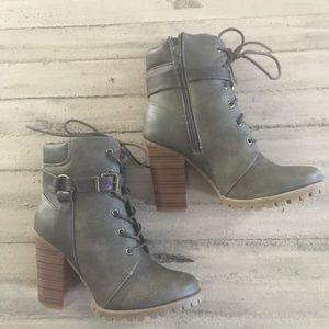Shoe Dazzle Marsia Olive Hiker Boot